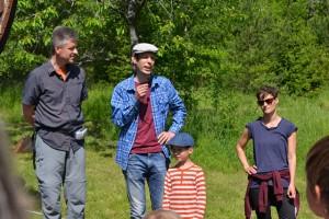 Krypfantasterna John, Hanna och Robert Hallmén tillsammans med Tore Söderqvist